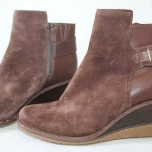 Cole Hahn Brown Suede Wedge Boots 9B